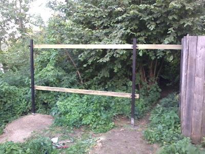 Стыкуем забор с соседним забором