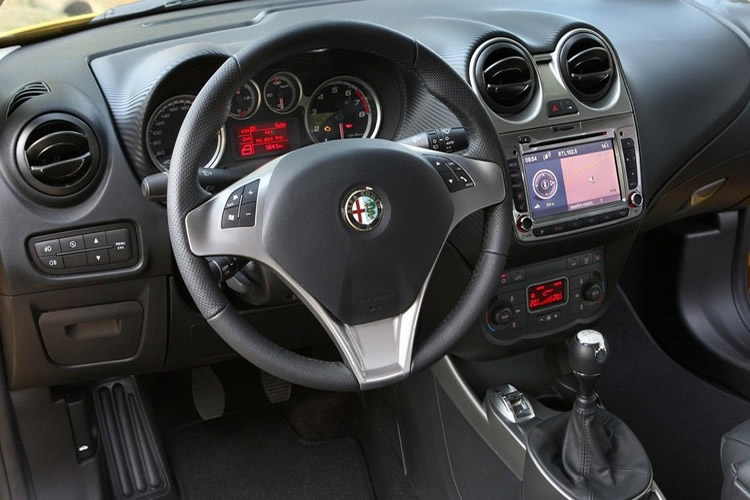 2011 Alfa Romeo Mito   Car Top of Design Trend