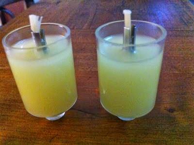 Candelabro plastico aceite de olivas solido 4 x 2.5 ctms.