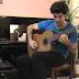 DESAFIO: Toque violão mais rápido que esse cara