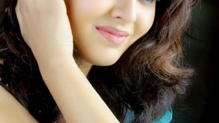 Shafaq Naaz Close Up