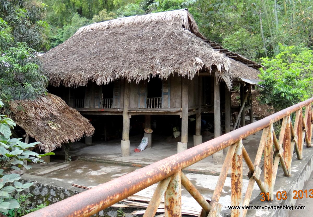 Hoa Binh Vietnam  city photos gallery : ... Bình, Vietnam Viet Ventures Voyage location de voiture au Vietnam