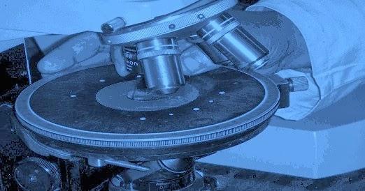 """Microscope pétrographique, un """"must"""" pour les pétrographes et minéralogistes"""