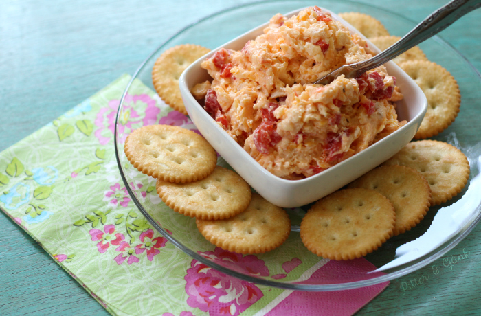 This Smokey Pimento Cheese is perfect on crackers, hamburgers, in an omelet, and even in grits! www.pitterandglink.com