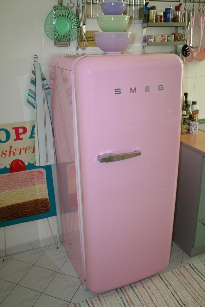 Die kleine amsel juli 2011 for Kühlschrank 60er design