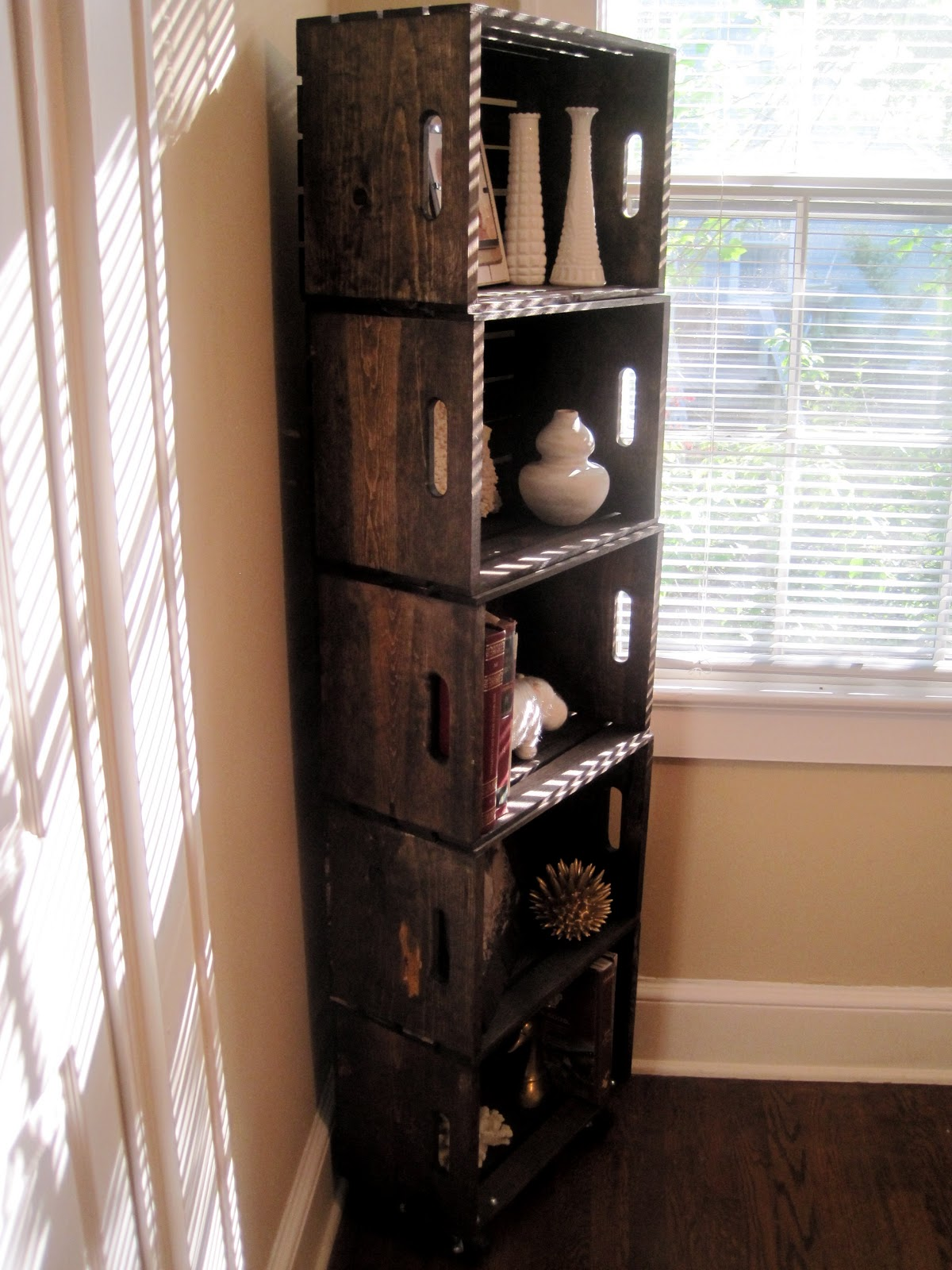 Southern diy diary wood crate bookshelf how to for Diy wooden crate ideas