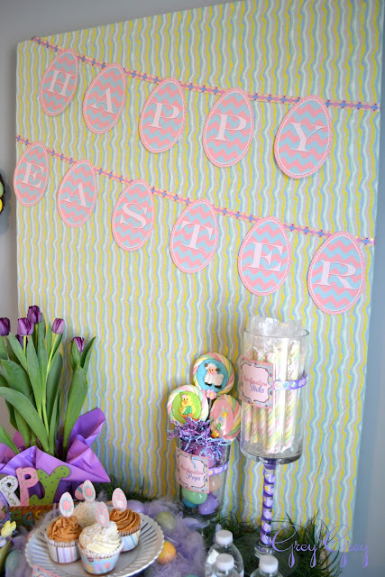 Free Printable Happy Easter Printable Banner from ishouldbemoppingthefloor{dot}com.