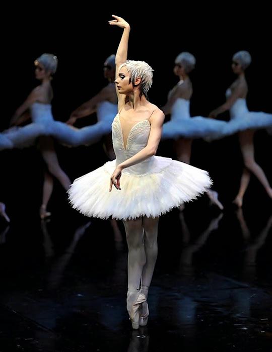 María Kotchekova. Bailarina