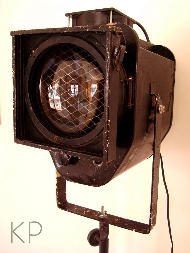 Comprar foco antiguo con trípode online. Precios focos vintage baratos.