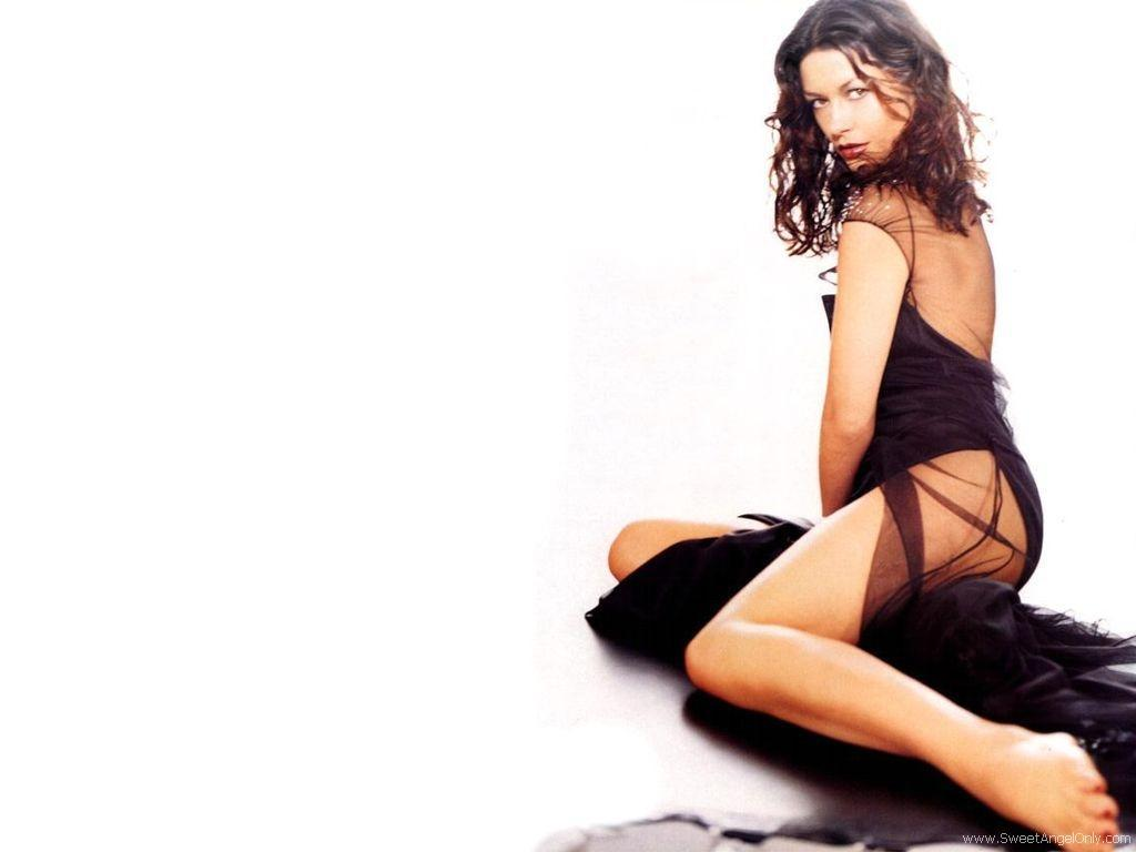 http://2.bp.blogspot.com/-plrfXAp8cL8/Tb_120q55GI/AAAAAAAABUs/qfcM9Xh7PBA/s1600/Catherine_Zeta_Jones_hot_wallpaper_21_01.jpg