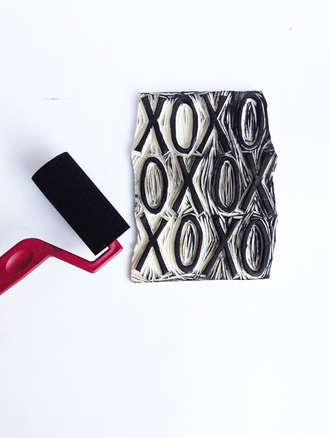 Stamp Carving and Printing Your Own Textiles | mamableu.com