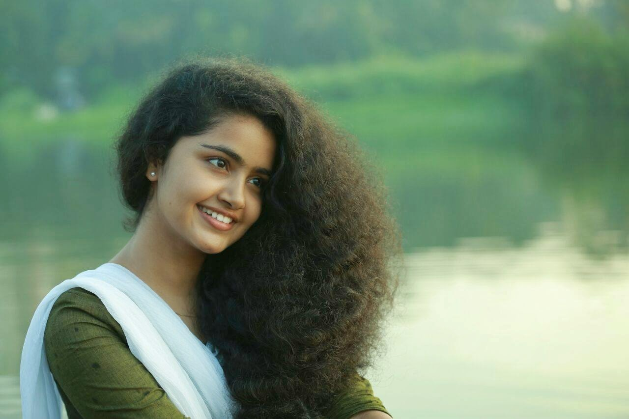 Anupama Parameshwaran New Malayalam Actress Photos MALLU