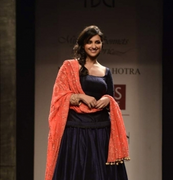 Parineeti Chopra Ramp walk Wills India Fashion show