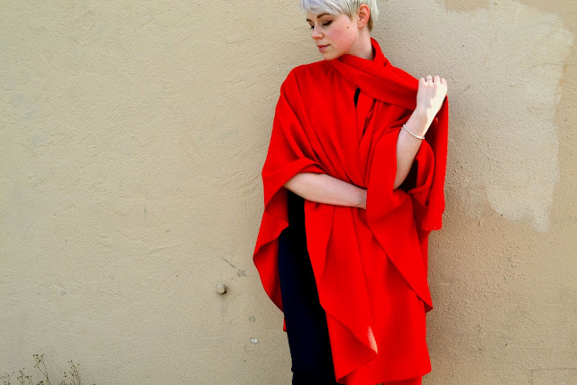 red, cape, cloak, shawl, fall fashion, autumn trends