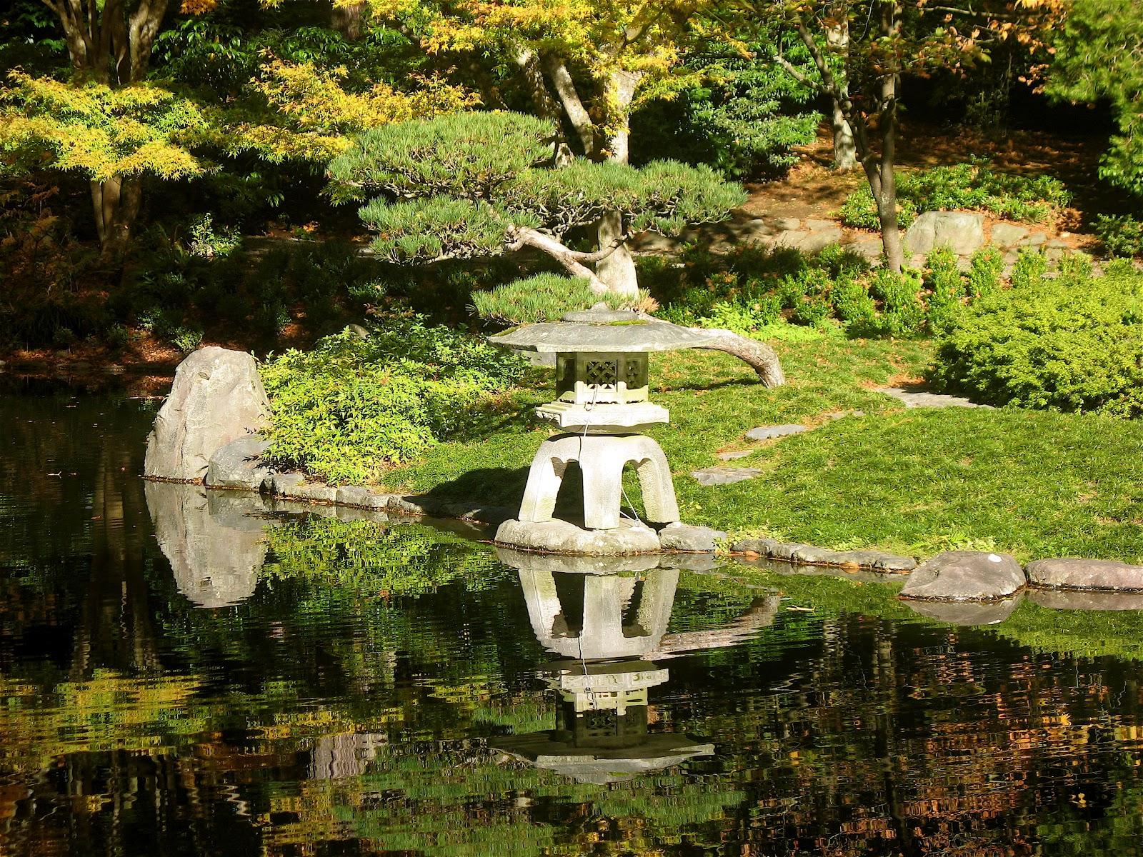 Japanese zen garden zen bridge pond path for Japanese garden bridge