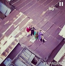 People stranded on the rooftops as the water level reached 18Ft. Help the people of Kashmir, be a human.