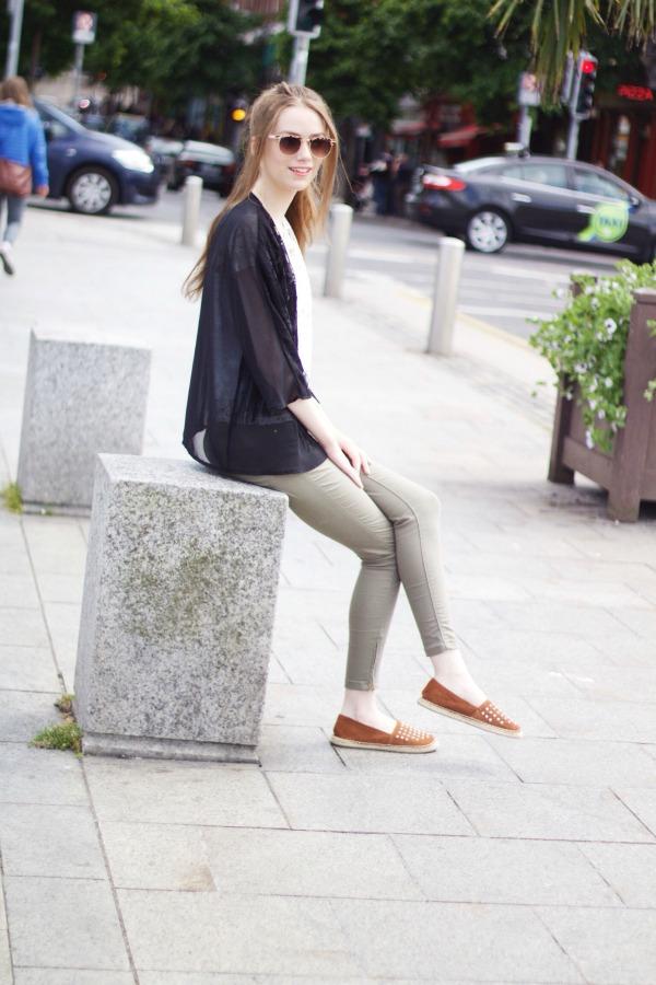 Black & khaki outfit