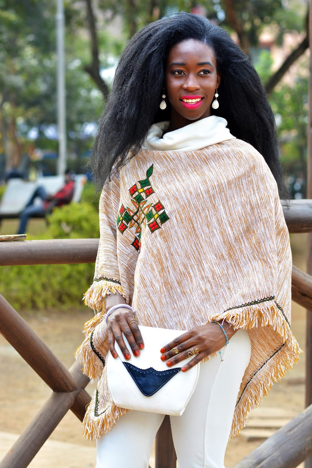 how to wear a poncho, poncho with African print, poncho outfit, what is a poncho, style with Ezil, Ezil, African fashion Blogger, Kenyan Fashion Blogger.