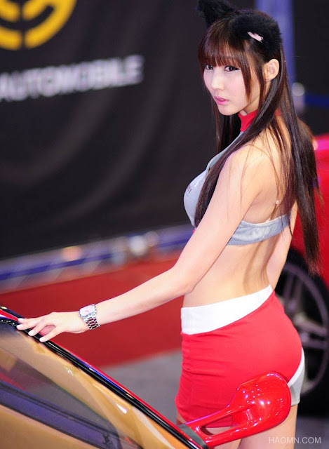 Beautiful model, Korean auto show, sexy model, korean model, umbrella girl, korean girl