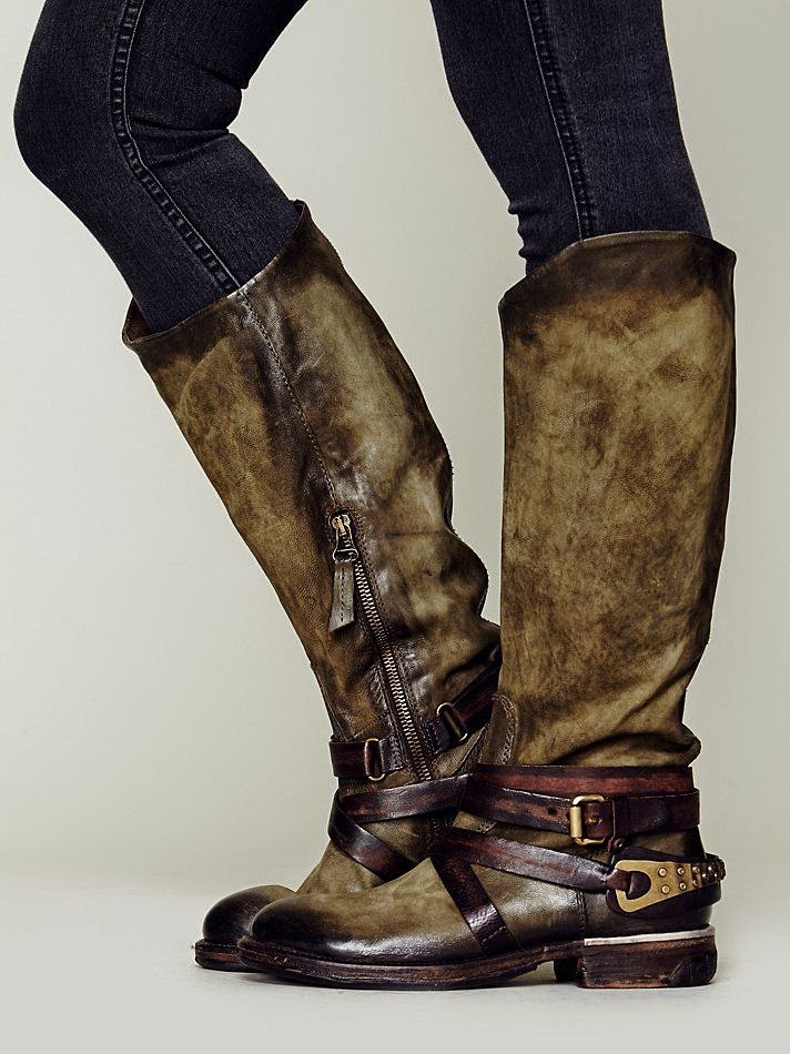 Find and save ideas about Long boots outfit on Pinterest. | See more ideas about Tall boots outfit, Black knee high boots outfit and Winter clothes.