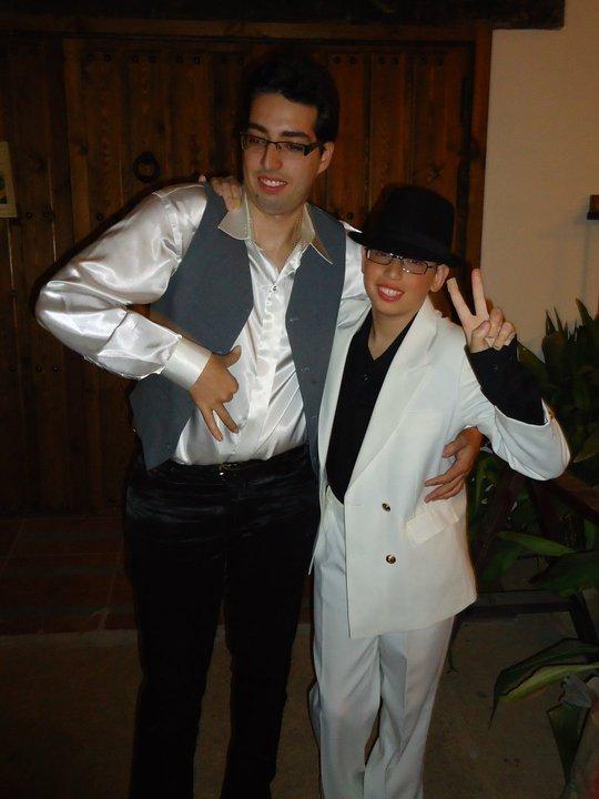 http://2.bp.blogspot.com/-pmfw_L_3nlo/T57E04AQHkI/AAAAAAAAAHM/SuVVfTypaX4/s1600/los+fernandez+m+j.jpg