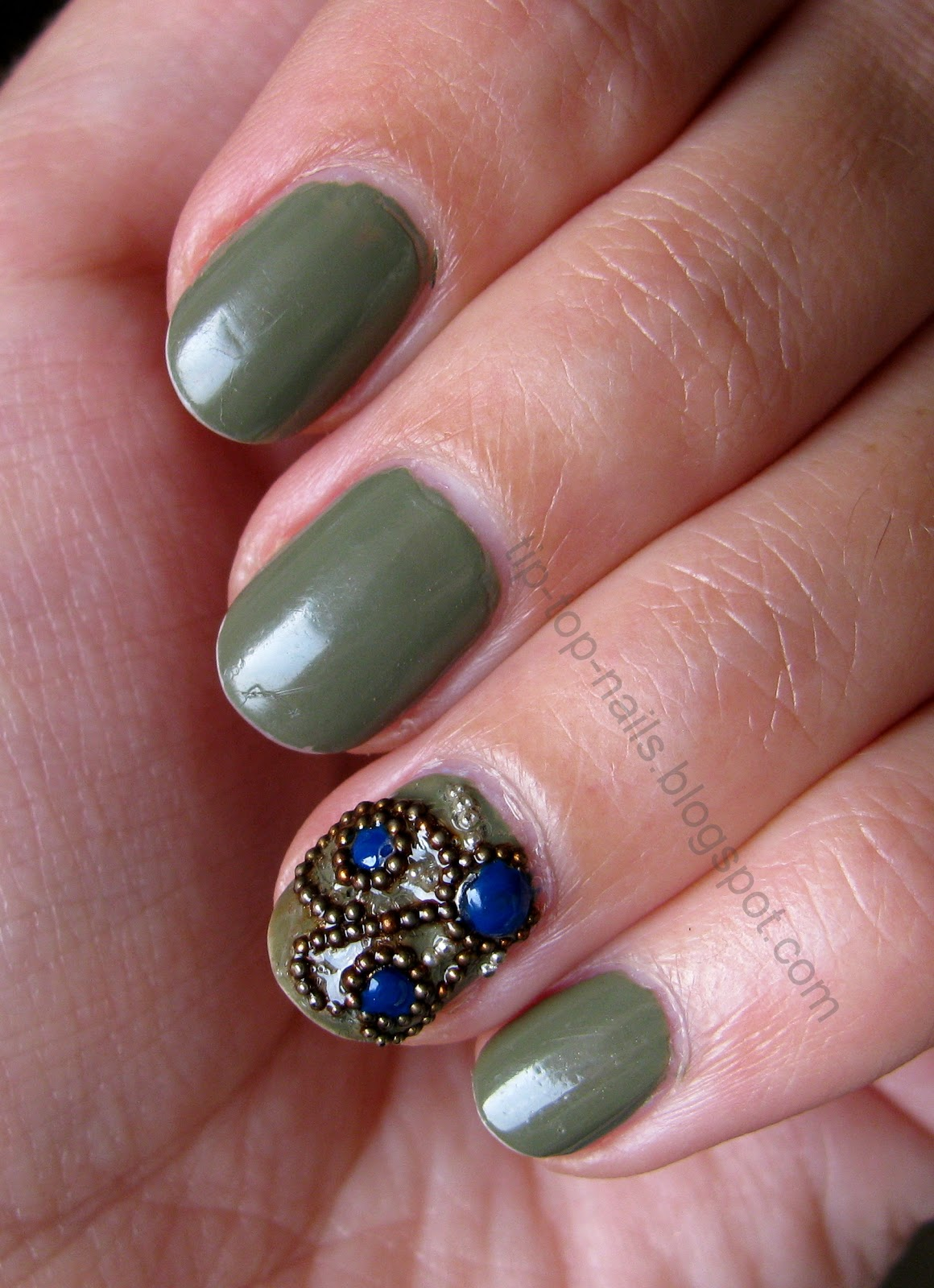 Fall-Winter 2012 mani with accent nail | Tip-Top-Nails