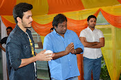 Akhil Akkineni Debut movie launch-thumbnail-7