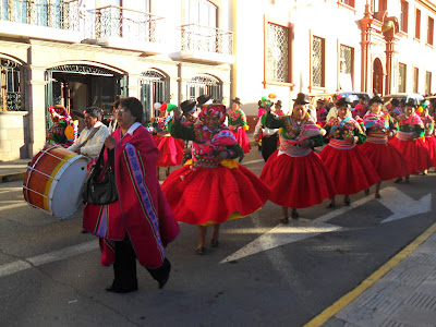 Desfile por las fiestas patrias, puno