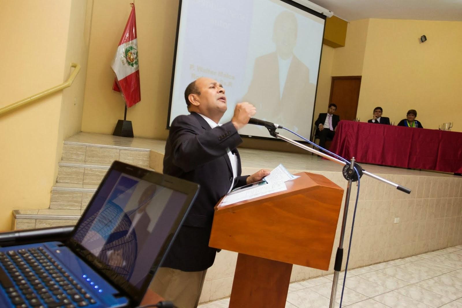 PRESENTACION DEL LIBRO EL PADRE WALTER MALCA