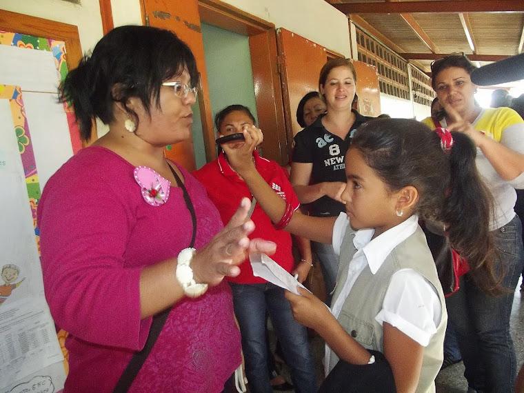 LOCUTORES DE GARMENDIA ESTEREO ENTREVISTAN A LA COORDINADORA NACIONAL DE LICEOS BOLIVARIANOS