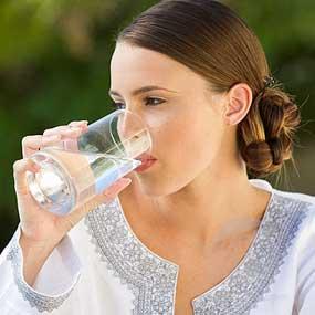 punca masalah kulit kering, minum air putih, zarraz paramedical, stokis zarraz di penang,