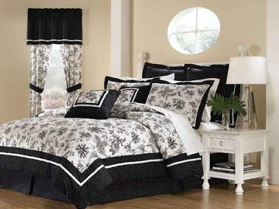 Simple Black and White Bedrooms Pictures Ideas