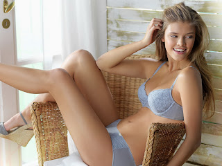 Nina Agdal sexy in Triumph EcoChic Autumn 2011 photossesion