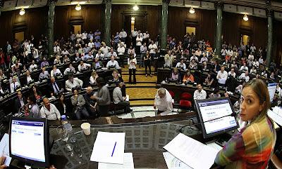 Legislatura porteña aprobó ley de traspaso de subtes
