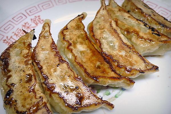 新福菜館三条店の餃子