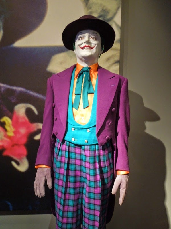 Jack Nicholson The Joker movie costume 1989 Batman & Hollywood Movie Costumes and Props: Jack Nicholsonu0027s Joker costume ...