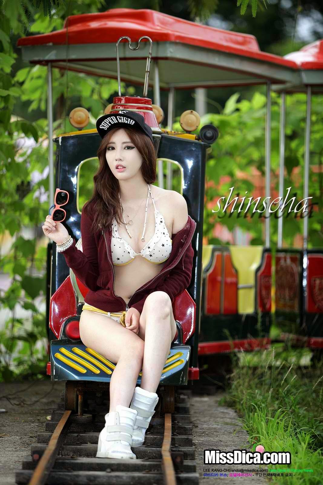 Shin Se-ha photo 002