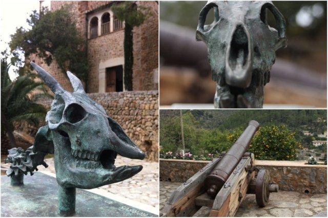 Iglesia en Deia, Mallorca – Escultura al arqueologo William Waldren - Canon