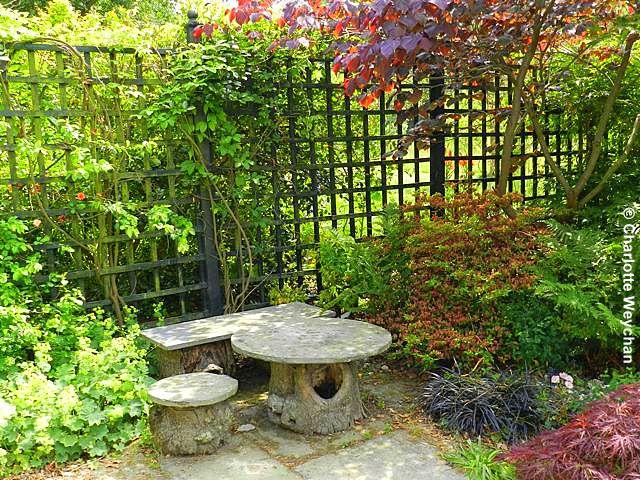 The galloping gardener star studded footsteps in june for Japanese garden room