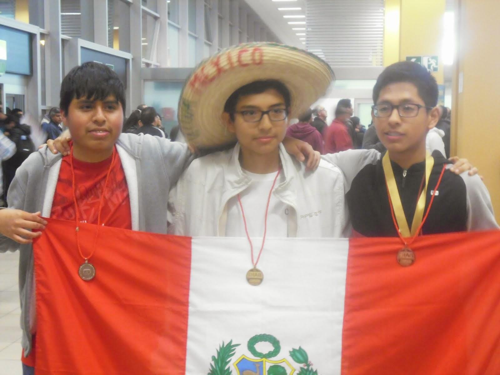 BICAMPEONES IBEROAMERICANOS DE BIOLOGIA EN LA OCTAVA OIAB MEXICO 2014
