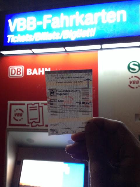 itinerary dan biaya liburan di berlin jerman-9 tiket dan vending machine s-bahn