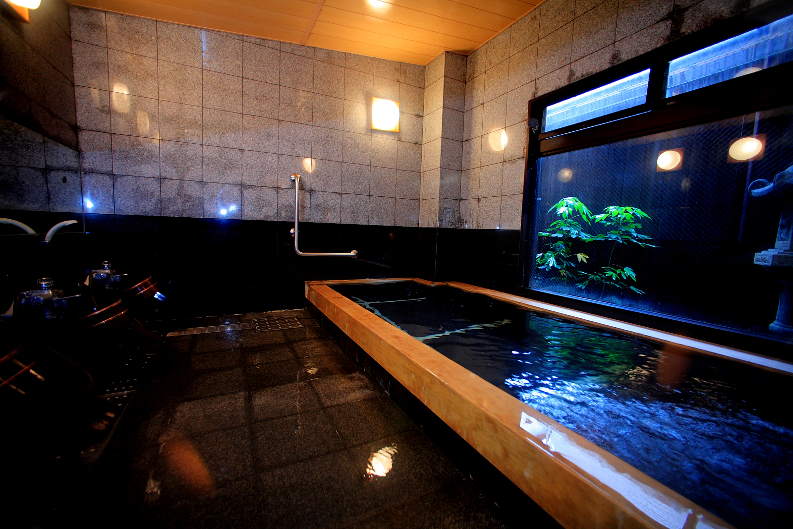 Luxury bathroom design ideas wonderful for Amazing master bathroom designs