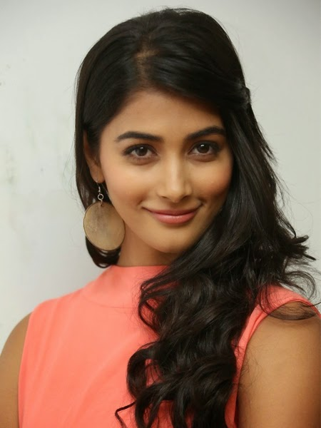 Pooja Hegde New Photos and Stills