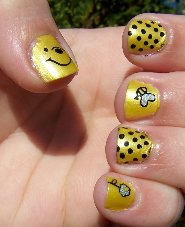 Winnie The Pooh Nails: A Labour Of Love: Silly Old Bear
