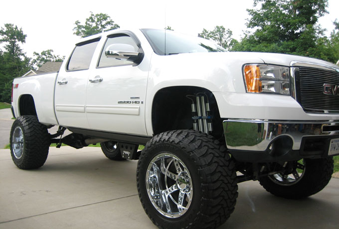 "2013 Chevy 2500 HD 12"" Lift Kit by Bulletproof Suspension"