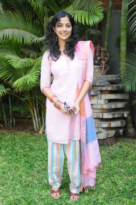 nishanthi evani l actress pics