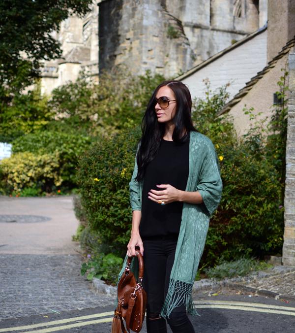 LamourDeJuliette_Kimono_Cashmere_Autumn_Winter_Outfits_Deutscher_Modeblog_Germanf_FashionBlog_01