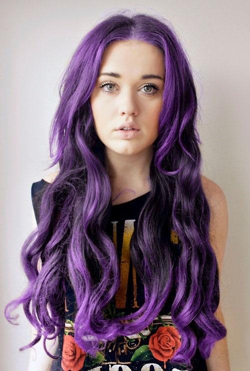 Piel clara con cabello oscuro Igualmente chicas con tez muy blanca y ojos claros, no se bien en que influya el color de cabello si de todas maneras se lo