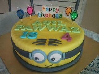 [Minion Cake]
