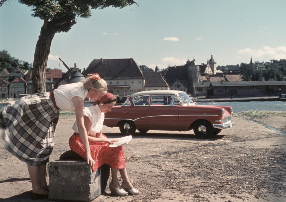 Vintage Girl's Road Trip #vintage #summer #vacation